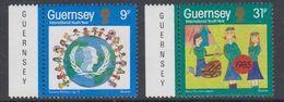 Guernsey 1985 International Youth Year 2v ** Mnh (44108C) - Guernsey
