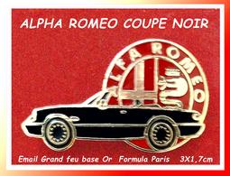 SUPER PIN'S ALPHA ROMEO : Coupé Version Noire émaillé Grand Feu Base Or, Signé Formula  Paris, 3X1,7cm - Alfa Romeo