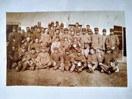 ITALIE - CARTE PHOTO Groupe De Soldats Italiens Avec Chien Mascotte   - 1915-16. TBE - Guerra 1914-18