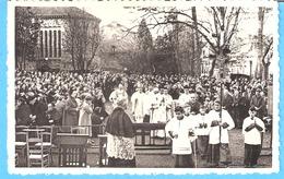 Religion-Beauraing-+/-1960-Arrivée D'un Pélérinage à L'Aubépine Conduit Par Mgr Charue,Evêque De Namur-Enfants De Choeur - Vierge Marie & Madones