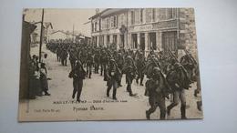 Carte Postale ( X2  ) Ancienne De Mailly Le Camp , Défilé D Infanterie Russe - Mailly-le-Camp