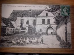 Carte Postale De MONTDIDIER. Intérieur De L'ancien Château De FORSTEL (troupeau D'oies) - Montdidier