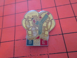 616a PIN'S PINS / Rare & Belle Qualité ! / Thème : SPORTS / GRAND PIN'S BOXE FRANCAISE - Boxe
