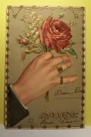 ROSES - MUGUET - SOUVENIR -  ( Carte Gaufrée ) - Fantasie