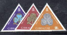 GIBILTERRA 1975 , Scout  Serie N. 320/321  MNH  *** - Gibilterra