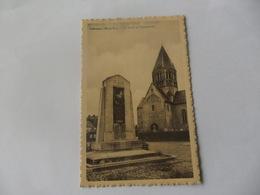 Ichtegem De Kerk En Standbeeld - Ichtegem