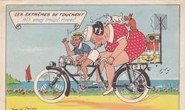 """CARTE FANTAISIE  ILLUSTRATION JEAN DE PREISSAC .COUPLE SUR TANDEM"""" LES EXTRÊMES SE TOUCHENT."""". ANNEE 1950 - Preissac"""