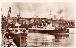 PIE.T.19-8932 :  S.S. DINARD LEAVING DOVER HARBOUR - Dover