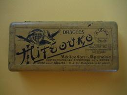 Boîte De Dragées MITSOUKO - Lajoinie Pharmacien à Brive - Altre Collezioni