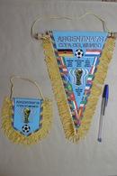 Fanion Foot Football ARGENTINA '78 COPA DO MUNDO - Lot De 2 Fanions Grand Modèle Et Petit Modèle - Abbigliamento, Souvenirs & Varie