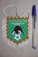 Fanion Foot Football ESPANA '82 COPA MUNDIAL DE FUTBAL - Abbigliamento, Souvenirs & Varie