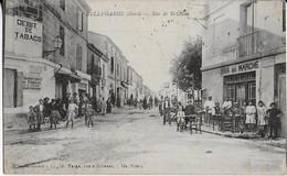 BELLEGARDE ( Gard )  : Rue De St Gilles Bien Animée  Devant Le Débit De Tabac Et Le Bar Du Marché - Bellegarde