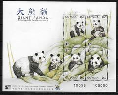 GUYANE  BF 233 * *  ( Cote 7e )  Ours Panda Geant - Ours