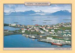 1 AK Island * Blick Auf Die Kleinstadt Höfn í Hornafirði - Der Hauptort Der Gemeinde Hornafjörður Im Südosten Islands * - Island