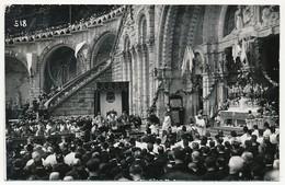CPA Photo - LOURDES (Hautes Pyrénées) - La Messe De 10h - L'Autel Devant Le Rosaire - 16/7/1933 - Lourdes