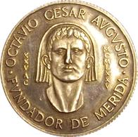 ESPAÑA. MEDALLA BIMILENARIO DE LA FUNDACIÓN DE MÉRIDA. 1.975. PLATA PROOF. ESPAGNE. SPAIN MEDAL - Profesionales/De Sociedad
