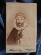 Photo CDV Vollennveider à Alger - Portrait D'un Occidental En Costume Local Vers 1890 Dédicace Au Dos L455 - Photos