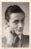AL70  Autographed Photograph, But Who Is This Man? - Anonymous Persons