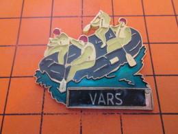517 PIN'S PINS / Rare Et De Belle Qualité ! / Thème : SPORTS / CANOE RAFTING VARS - Canoë