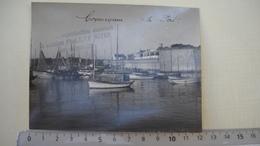 """P2. Concarneau , 29 . 2 Photos  .pecheurs Et Vue Du Port  . Photos """" L. Le Boyer """" . 5  Scans . - Luoghi"""