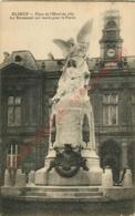 76.  ELBEUF .  Place De L'Hôtel De Ville . Le Monument Aux Morts Pour La Patrie . - Elbeuf