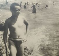 B&W Amateur Photo Boy Garcon Vacation Summer Large - Anonyme Personen