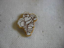 Pin's Du Michelin Bibendum - Pin's