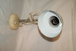 ANCIENNE LAMPE DE BUREAU TOLE *deco,loft,vintage - Lámparas