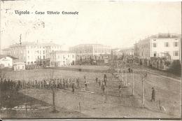 VIGNOLA - Corso Vittorio Emanuele - ESERCITAZIONE MILITARE - FORMATO PICCOLO - VIAGGIATA 1920 - (rif. I59) - Modena