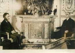 PHOTO DE PRESSE ORIGINALE / Le Roi Hussein De Jordanie à L'Elysée Avec Le Général De Gaulle, 1963 - Photos