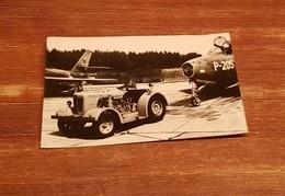 David Brown Aircraft Towing Tractor Royal Netherlands Army - Materiaal