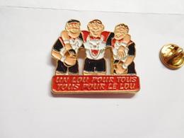 Beau Pin's En Relief , Rugby , Un LOU Pour Tous , Tous Pour Le LOU , Lyon Olympique Universitaire Rugby - Rugby