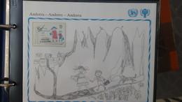 Très Beau Classeur UNICEF/NATIONS UNIES   Avec Timbres Et Blocs ** Sur Le Thème De L'enfant. A Saisir !!! - Francobolli