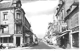 LAPALISSE - Rue Du Président Roosevelt (Nationale 7) - Lapalisse