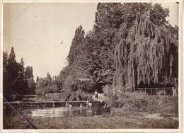PHOTO NON SITUEE - SCENE DE BAIGNADE , JEUNES GARCONS - Photographs
