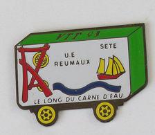 1 Pin's CYCLISME VTT 93 - U.E. REUMAUX/SETE -  LE LONG DU CARNE D'EAU (CHEVALEMENT MINIER/BATEAU) - Cyclisme