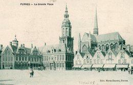 Veurne -    Furnes -   La  Grande  Place. - Veurne