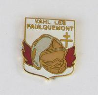 1 Pin's Sapeurs Pompiers De VAHL LES FAULQUEMONT (Moselle-57) - Pompiers