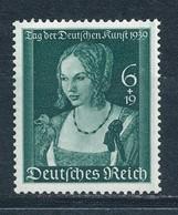 Deutsches Reich 700 ** Mi. 35,- - Germania