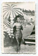 PHOTO ORIGINALE , Souvenir  , Femme Déguisé En Africaine , Dim. 6.0 X 9.0 Cm - Personas Anónimos