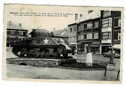 Bastogne Place Mac Auliffe: La Borne De La < Voie De La Liberté > Et Le Char Américain ,symbole De La Résistance. - Bastogne