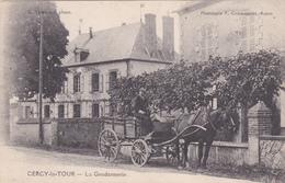 58 - CERCY LA TOUR - La Gendarmerie Avec Attelage De Son Conducteur - Voir 2 Scans - Altri Comuni
