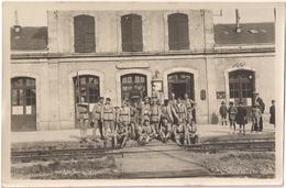 Photo - Groupe De Soldats Ur Le Quai De La Gare De Felletin  Juillet 1924 - Felletin