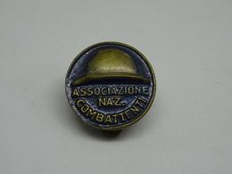 Distintivo Associazione Nazionale Combattenti - Italy
