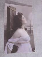 CPA Femme Nue Seins Nus - Nus Artistiques (1960-…)