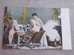 Lot De 6 CPA Femme Sexy De Déshabillant - Postcards