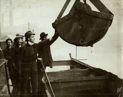 COAL LEEDS STRIKE OF MUNICIPAL EMPLOYEES MINE MINA MINIERE BERGBAU  21*17CM Fonds Victor FORBIN 1864-1947 - Profesiones