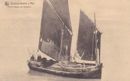 619 Bateaux Oostduinkerke S Mer Vieille Barque De Pecheurs - Ships