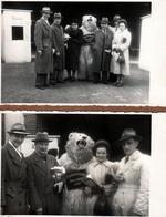 2 Photos Originales Déguisement & Eisbär, Ours Blanc Polaire En Famille, Fischereimesse Bremerhaven En 1950 - Anonymous Persons