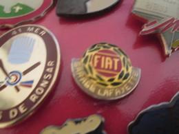 718B PIN'S PINS / Rare Et De Belle Qualité ! / Thème : AUTOMOBILES / LOGO FIAT - Fiat
